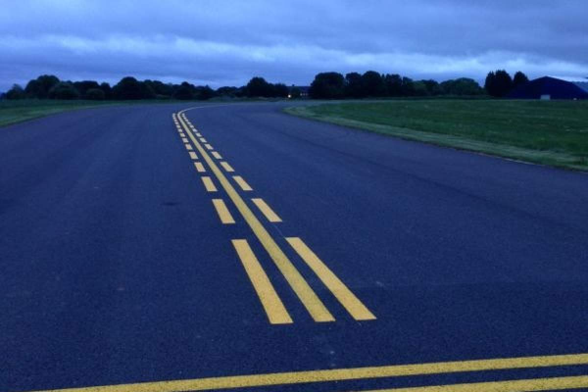 Enhanced Taxiway lining